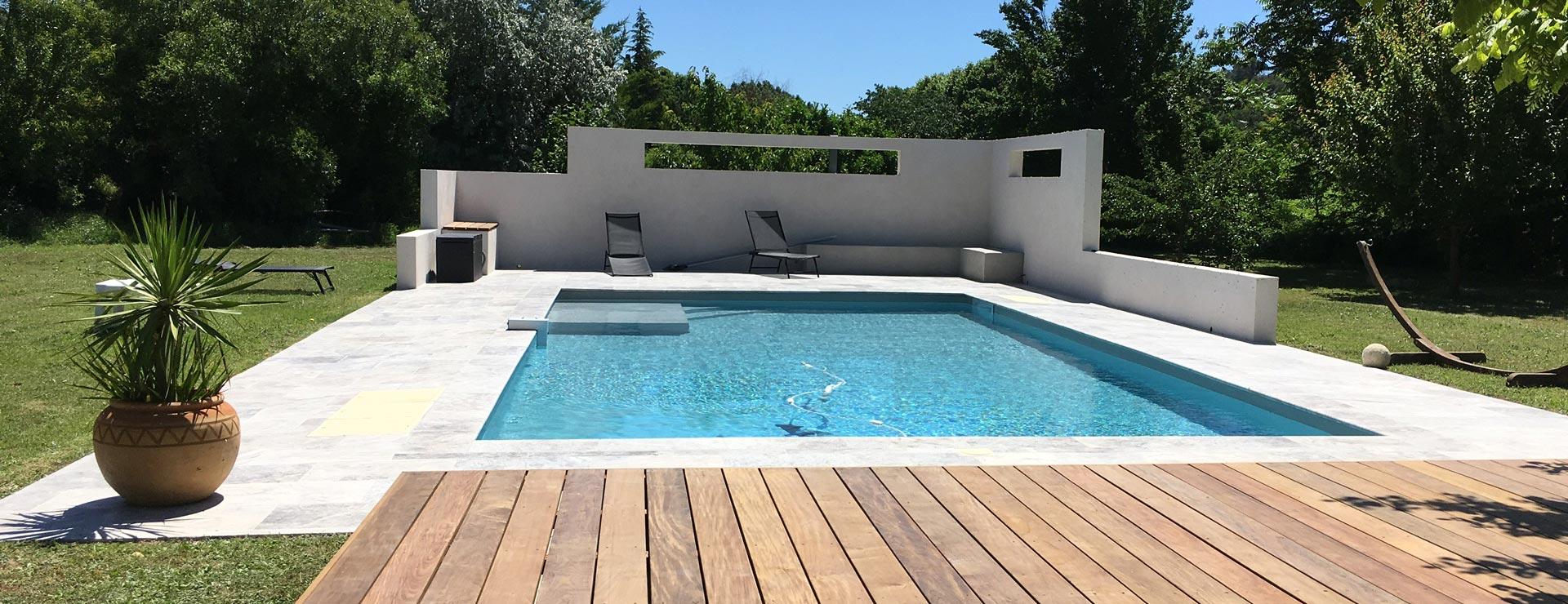 Constructeur de piscine aix en provence jouques renovation for Construction piscine 54